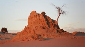 Sand hills at Lake Mungo. Photo: Ivan Burge